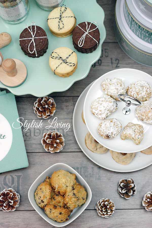 Weihnachtsplätzchen: Schoko-Kokos-Kekse, Stollenkonfekt, Haselnuss-Busserl, Stempelkekse