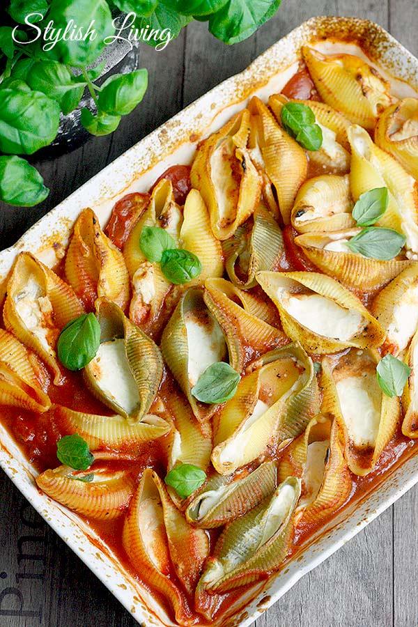 Schmortomaten mit Pasta und Ricotta