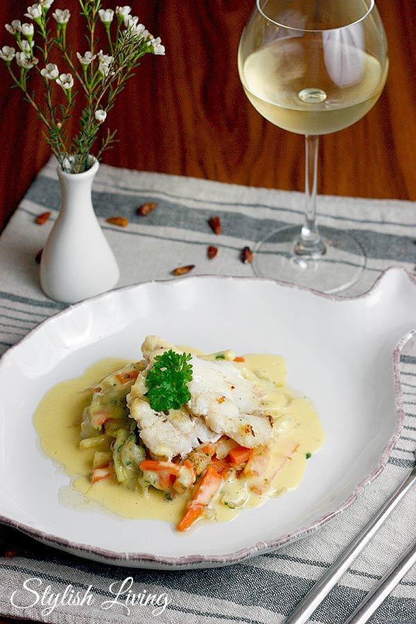 Seeteufelfilet mit Gemüse und Kartoffel-Majoran-Sauce