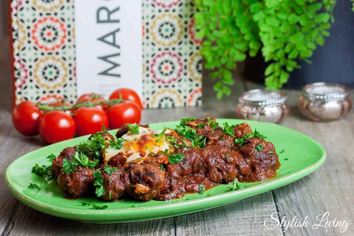 Fleischbällchen-Tajine mit Tomatensauce