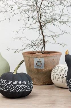 Zierkürbisse im mud cloth Design