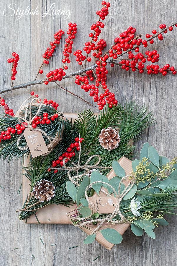 weihnachtsgeschenke verpacken mit tanne kiefer co stylish living. Black Bedroom Furniture Sets. Home Design Ideas