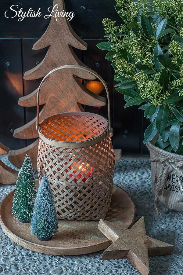 weihnachtlich dekorieren vor der Haustür