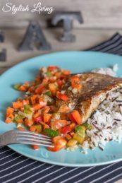 Kabeljaufilet mit Wildreis und Karotten-Paprika-Salsa