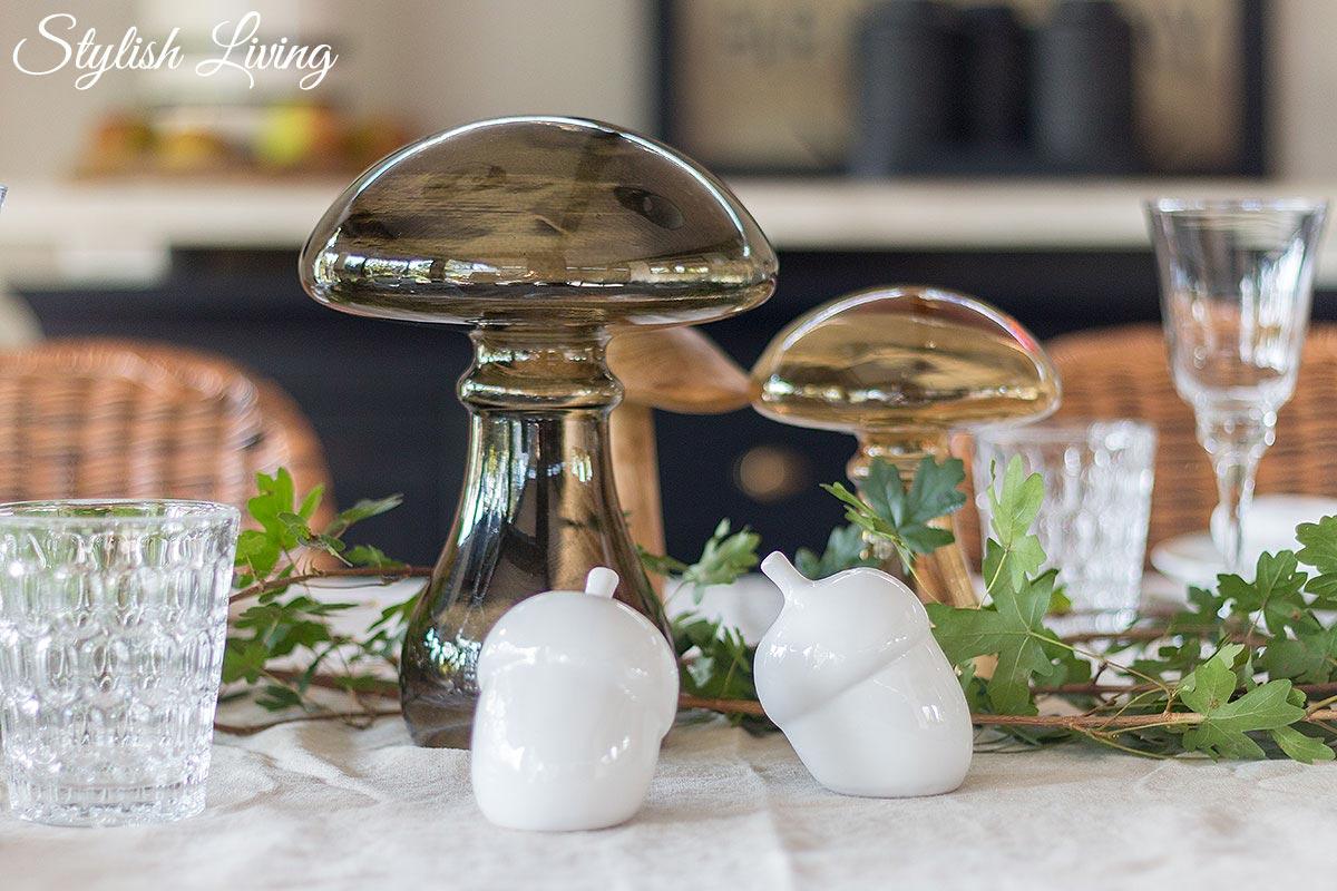 herbstliche Tischdeko mit Dekopilzen