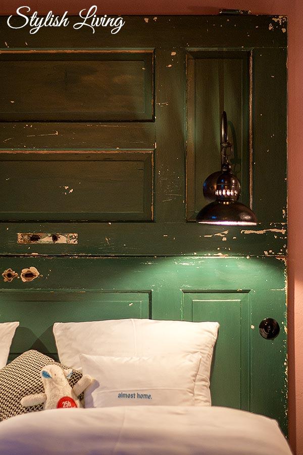 Bett im 25hours Hotel Altes Hafenamt-Hamburg