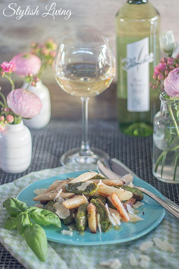 Bärlauchgnocchi mit Spargel, Parmesan und Blanchet Weinbegleitung