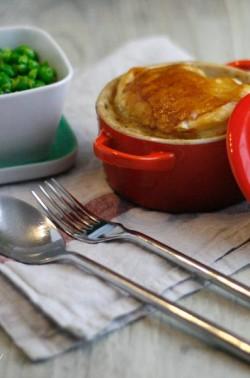Hühnchen-Lauch-Pie mit Buttererbsen à la Donna Hay