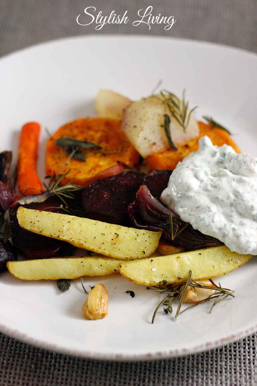 Ofengemüse mit Kräuterquark
