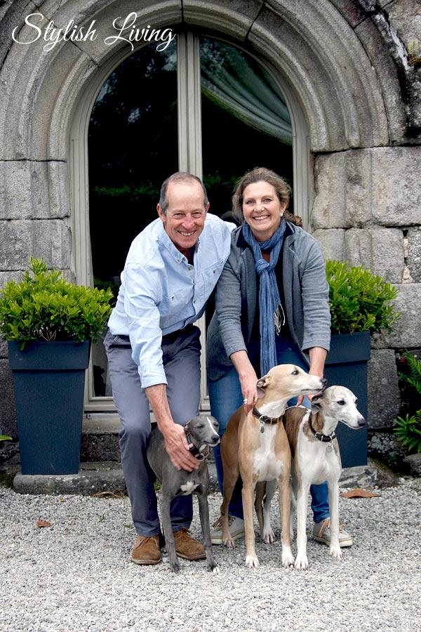 Penny & Peter mit den Hunden