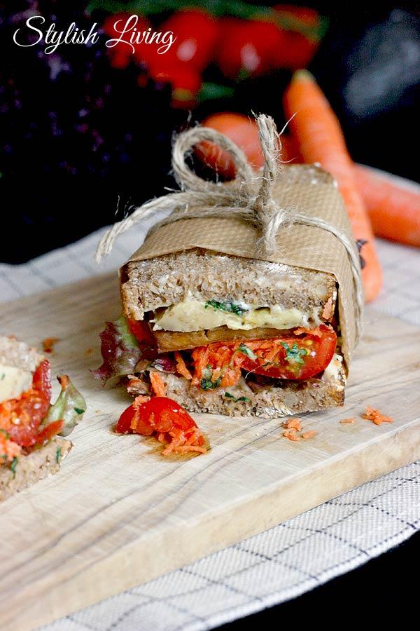 gesundes Sandwich mit Tofu