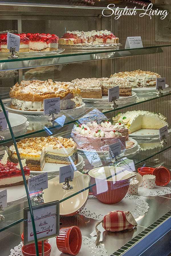 Kuchen und Torten im Tausendschön Café