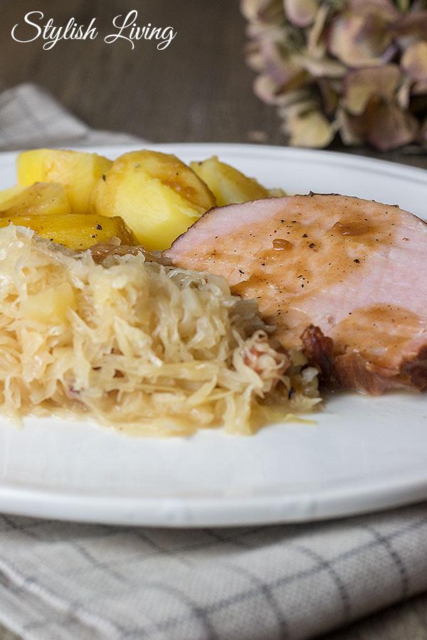 Kasselerbraten mit Sauerkraut und Kartoffeln