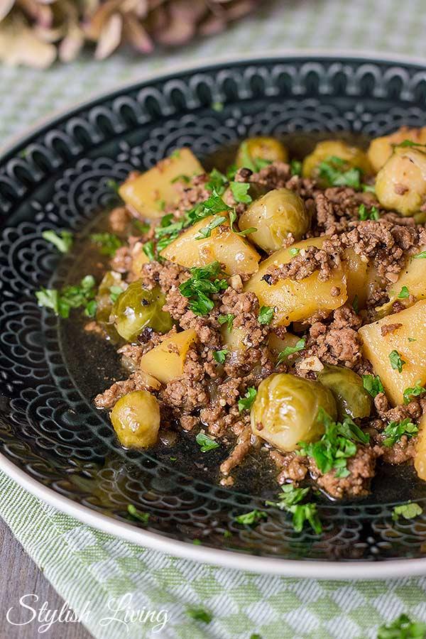 Kartoffel-Hackfleisch-Pfanne mit Rosenkohl