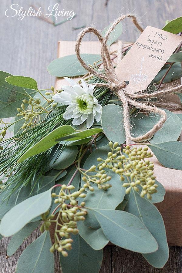 Weihnachtsgeschenke mit Eukalyptus