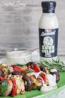 Gemüseschaschlik mit Löwensenf Sour Cream