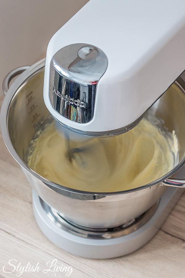 Buttercremezubereitung mit der Kenwood Chef Sense
