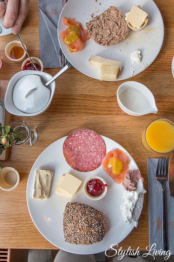 Frühstück im Strandgutrestraurant Deichkind