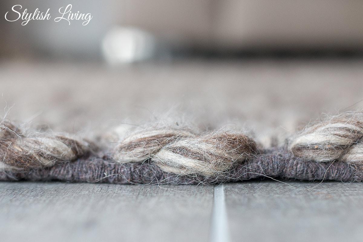 handgeknüpfter Teppich aus Schurwolle und Baumwolle von Urbanara