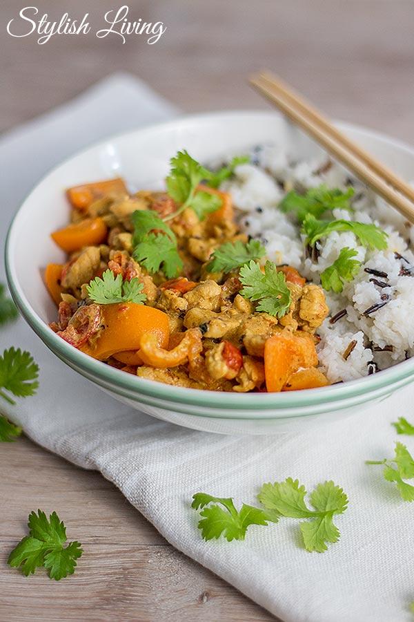 Hühnchenhackfleisch-Curry mit Reis