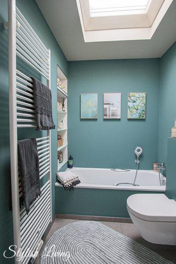 kleines bad in farbe mit wandleuchte lena von click werbung stylish living. Black Bedroom Furniture Sets. Home Design Ideas