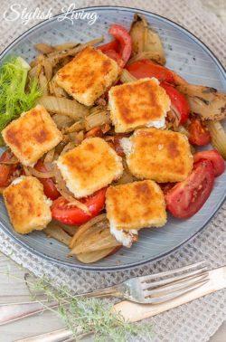 Fenchelgemüse mit gebratenem Feta und Tomaten