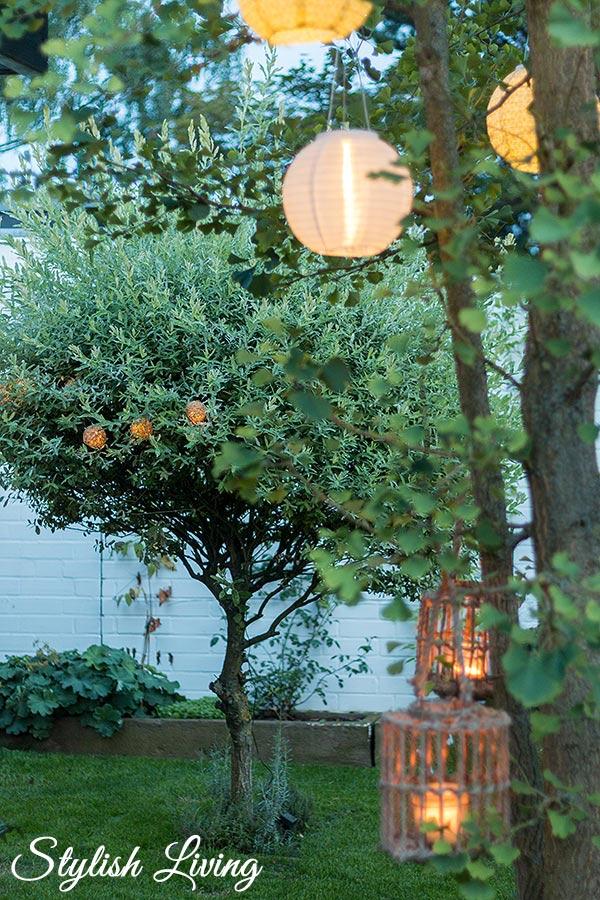 Gartenimpressionen mit Lampions