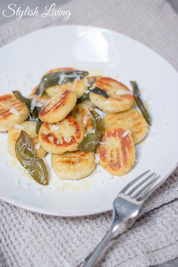 Gnocchi mit Kräuter-Käse-Füllung