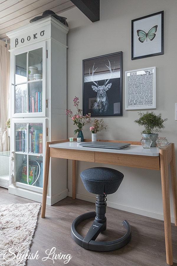gemütliches Arbeitszimmer mit Möbel Höffner