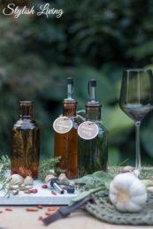 Chili-Knoblauch-Öl und Kräuteressig