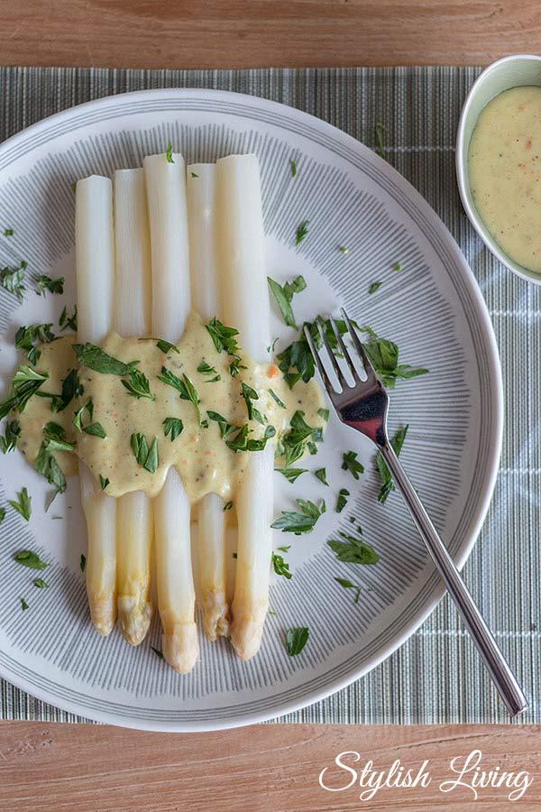 Rezepte für Spargelsaucen: Béchamel mit Curry