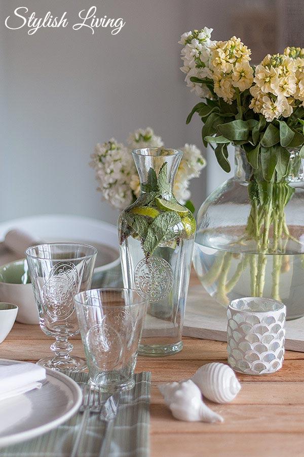 Tischdeko zum Spargelessen mit DEPOT Gläsern und Karaffe