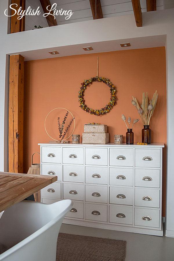 Deko mit DIY Kranz aus Trockenblumen