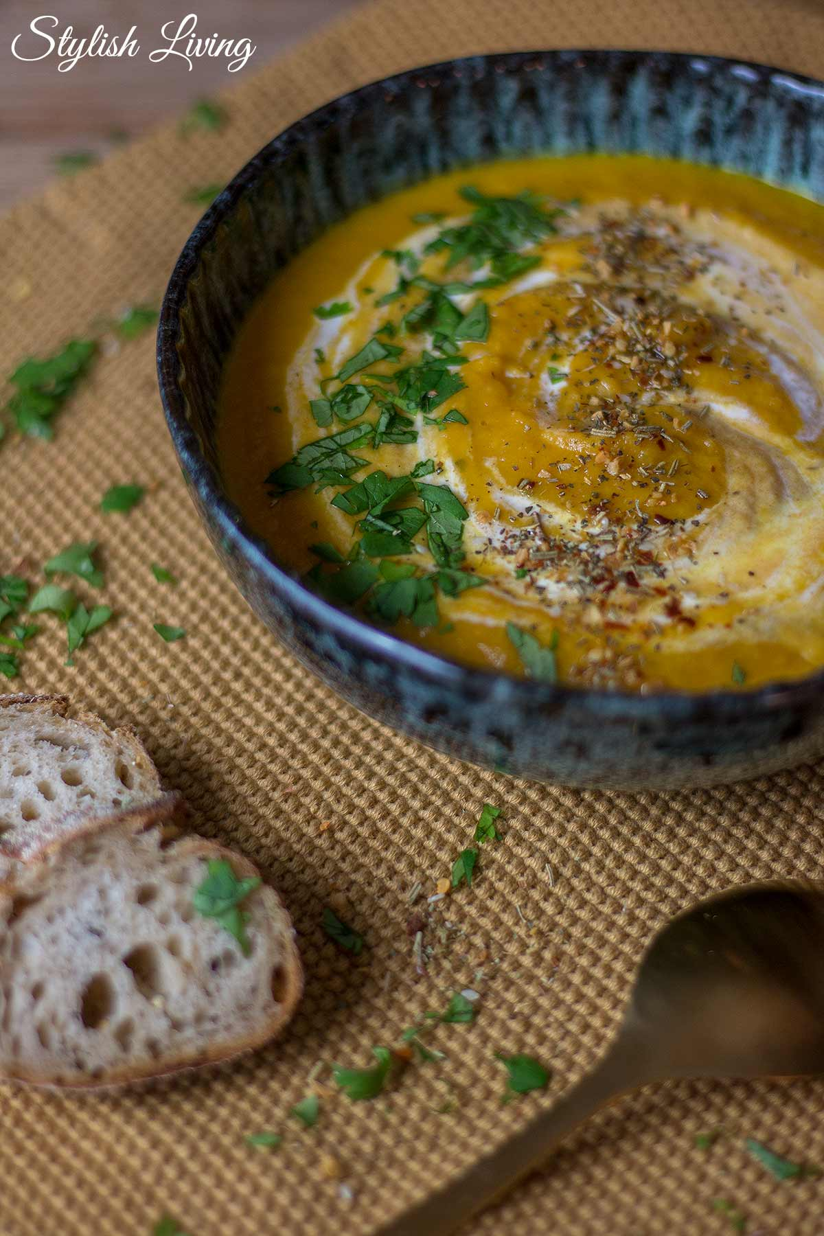 Steckrüben-Karotten-Suppe mit Ingwer