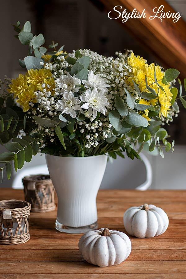 Blumenstrauß mit der Chrysantheme Pina Colada