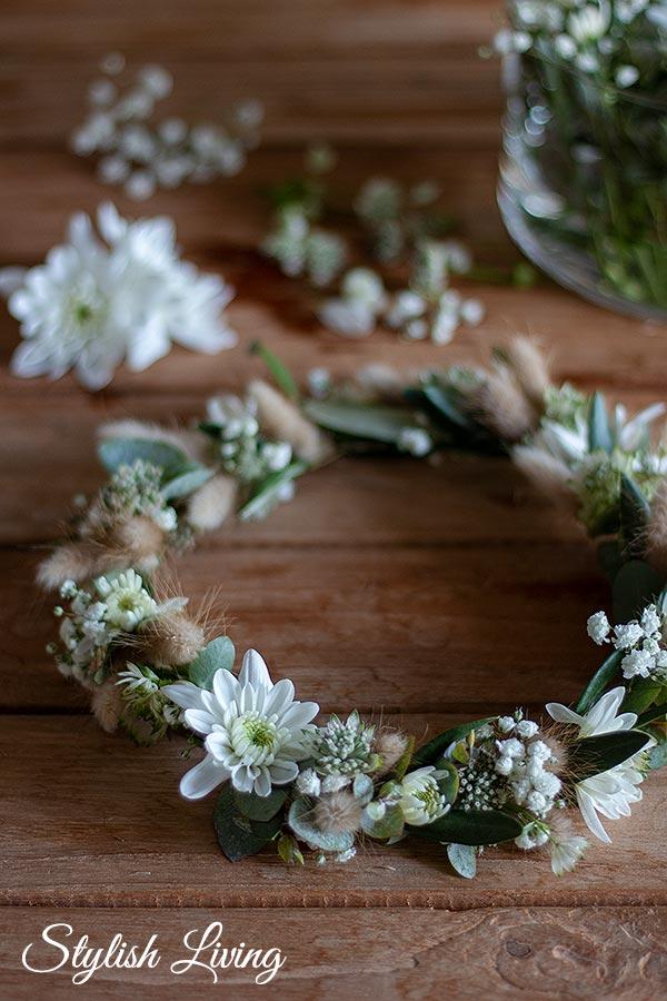 Fertig ist der Blumen Haarkranz