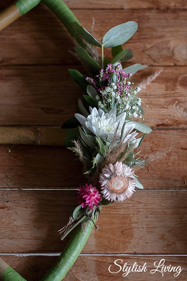 Immer die gleiche Reihenfolge der Blumen befolgen, damit es harmonisch wirkt