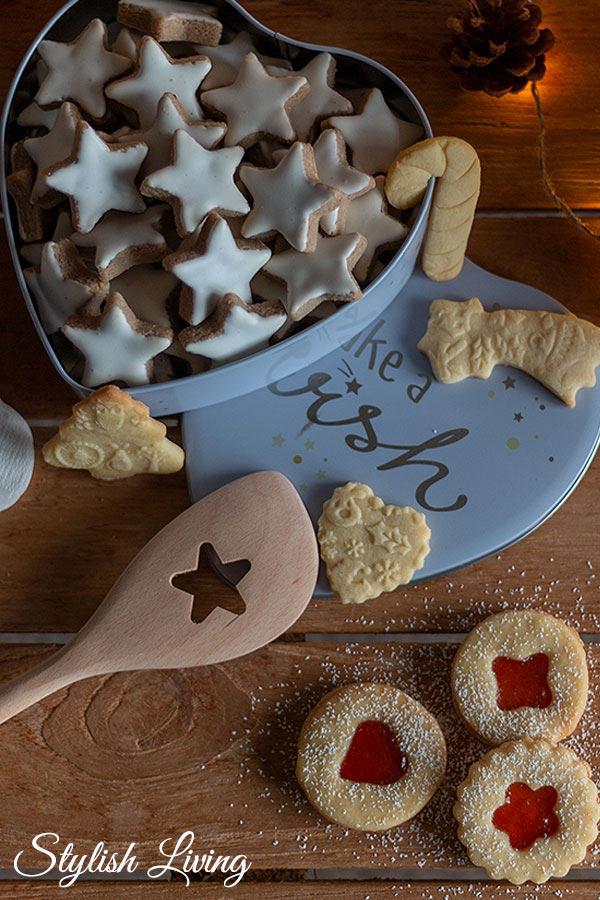 Weihnachtsbäckerei: Zimtsterne, Butterplätzchen und Spitzbuben